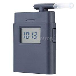 Digitaler Alkoholtester AT 838 mit 5 Mundstücken für 5,84€