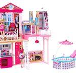 Barbie Wohnhaus mit Möbel, Pool & 3 Barbie Puppen für 71,99€