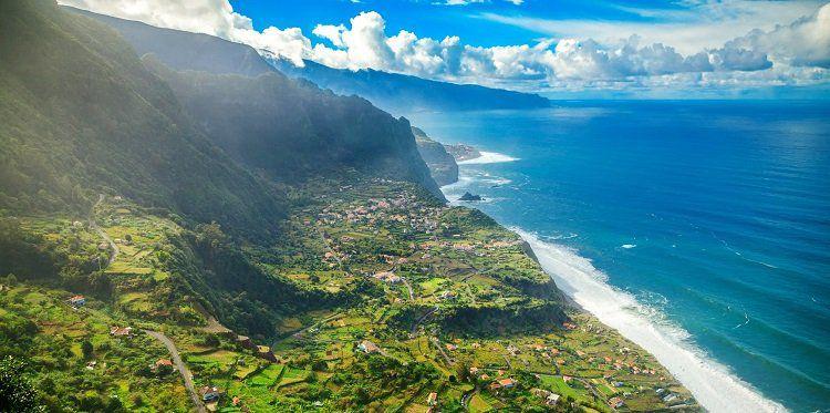 7, 10 o. 14 ÜN im 4* Hotel auf Madeira inkl. Frühstück, Flüge + Transfer ab 589€ p.P.