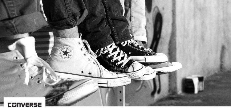Converse Sneaker Sale bei vente privee   z.B. Sneakers Chuck Taylor Band Ox für 32€ (statt 52€)