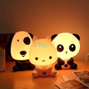 Nachttischlampe Panda, Hase oder Hund für je 9,11€