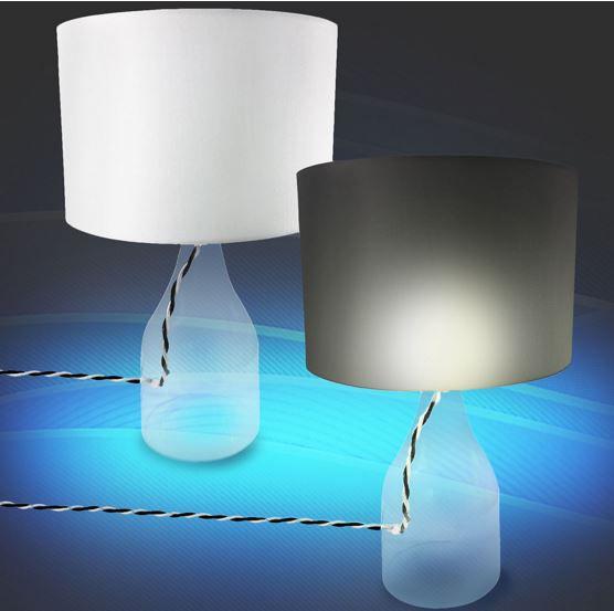 Kenwell Hanna   Tischlampe mit Glasfuß für nur 14,99€