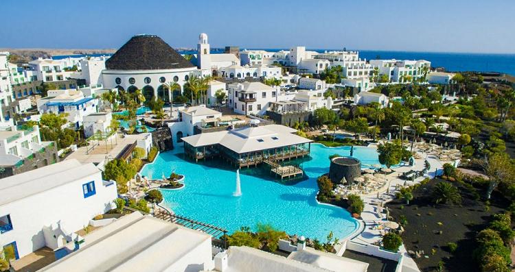 7, 10 oder 14 ÜN im 5* Hotel auf Lanzarote inkl. Halbpension und Flügen ab 599€ p.P.