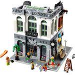 LEGO Creator Steine-Bank (10251) für 127,49€ (statt 148€)