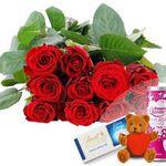 Valentins-Allround-Paket: 10 rote Edelrosen + Herzteddy + Hugo & Lindt-Schokolade + Grußkarte für 16,94€