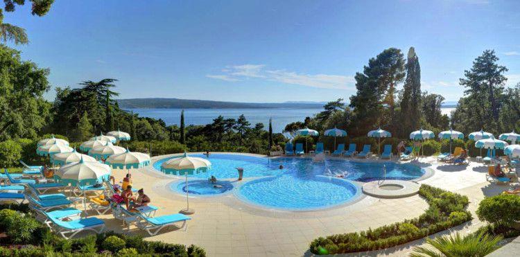 3 ÜN im 4* Hotel an der kroatischen Adriaküste inkl. Halbpension und Wellness ab 199€ p. P.