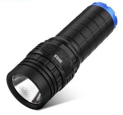 Imalent DN70 LED Taschenlampe mit 4.500 mAh Akku für 53,10€ (statt 102€)