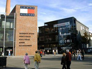reebock arami metzingen 300x225 Outlet Stores in Deutschland – Shopping zu günstigen Preisen!