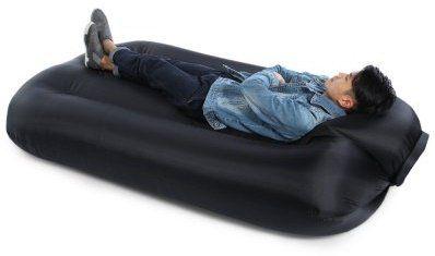 Große Luftcouch für bis zu 2 Personen und 250 kg für 33,11€