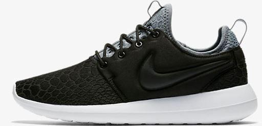 Nike Roshe Two SE   Damensneaker in Beige o. Schwarz für 62,59€ (statt 83€)