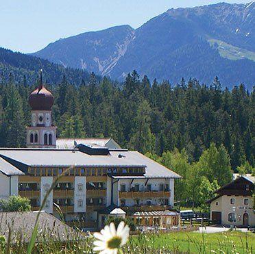 2 ÜN in Tirol inkl. HP, Wellness (2 Kinder bis 10 kostenlos) ab 89€ p.P.