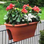 Plastik-Blumenkästen für Geländer bis 7cm Dicke für je 9,99€
