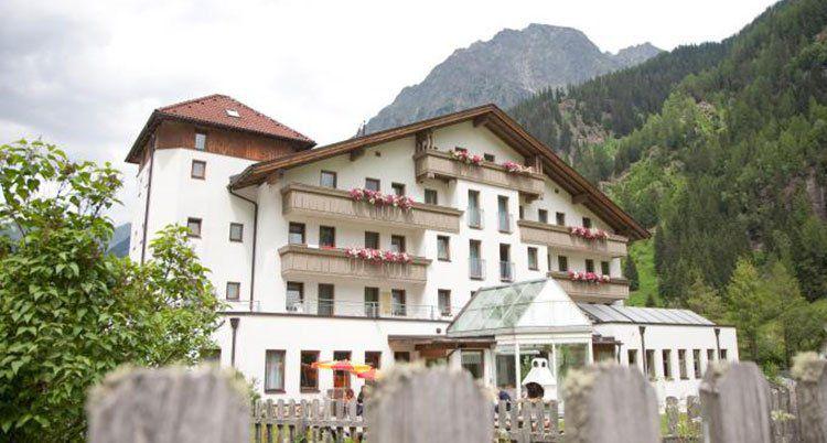 2 ÜN in Tirol inkl. All Inclusive, Sauna & Tia Card (2 Kinder bis 13 kostenlos) ab 77€ p.P.