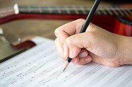 Kostenlos Klavier spielen lernen – funktioniert das wirklich?