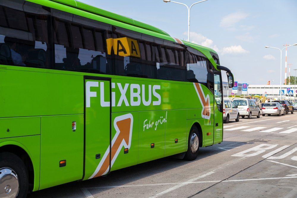Mit dem Fernbus unterwegs: Tipps für günstiges Reisen