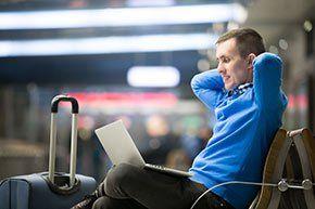 Flugreisen: Welche Technik ist im Handgepäck erlaubt?