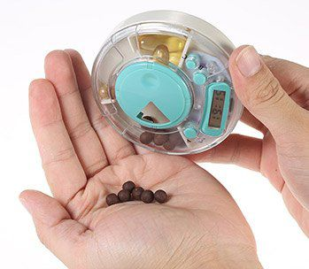 Pillenorganizer mit Erinnerungsfunktion und drei Fächern für 2,30€
