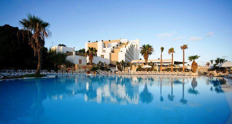 4, 7 o. 10 ÜN im 4* Hotel auf Malta inkl. Flüge, Frühstück, Halb  oder Vollpension und Wellness ab 179€ p.P.