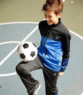 adidas PES MID3S CB Tracksuit für Jungs für 19,99€ (statt 30€)