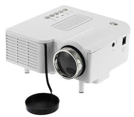 Portabler Mini LED Beamer mit Fernbedienung für 28€