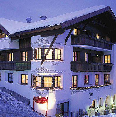 2 ÜN in Tirol im Romantikzimmer inkl. Verwöhnpension Wellness mit Rooftop Wellness Lounge & mehr ab 159€ p.P.