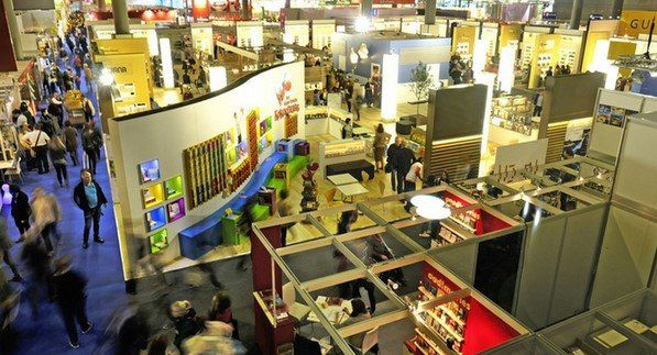 Tagesticket Frankfurter Buchmesse u.a. mit Udo Lindenberg, Joey Kelly, Steffen Henssler am 14. oder 15.10.2017 für 14€ (statt 19€)