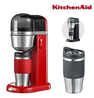 KitchenAid (5KCM0402) Ein Tassen Kaffeemaschine inkl. 2 Reisebecher in Schwarz oder Rot für je 65,90€ (statt 77€)