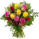 """Rosenstrauß """"Herbstfeuer"""" mit 12 Rosen und Waxflower mit Grün für 19,98€"""
