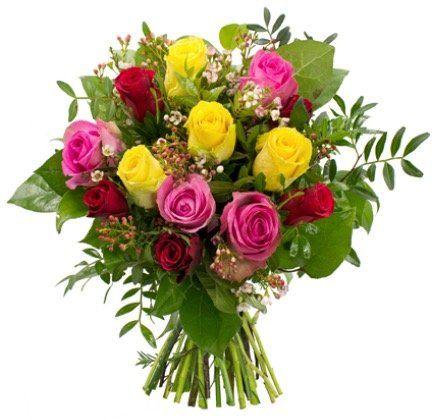 Rosenstrauß Herbstfeuer mit 12 Rosen und Waxflower mit Grün für 19,98€