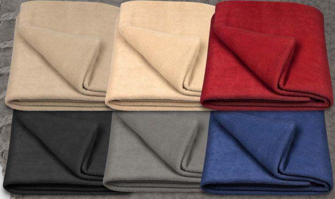 Kuschelige Fleecedecke 130x170 cm in 6 verschiedenen Farben für 8,95€