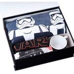 Star Wars 8 Geschenkbox mit T-Shirt, Tasse, Handtuch etc. für 49,95€
