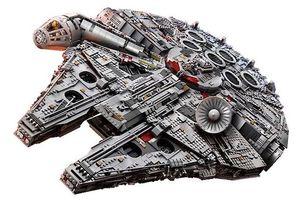 Der große Lego Star Wars Millennium Falcon mit über 7.500 Teilen für 637€ (statt 715€)