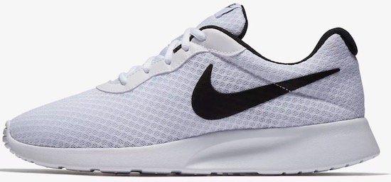 Nike Tanjun Sportschuhe in Weiß für 36,38€ (statt 48€)
