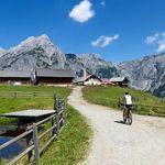 2, 3, 5 o. 7 ÜN im 4* Hotel in Tirol inkl. Halbpension, Willkommensgetränk, Wellness, Rabattkarte und E Bike Nutzung ab 99€ p.P.