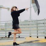 Regenschirm mit Selfiestick Funktion für 9,99€ (statt 18€)
