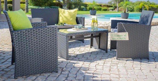 Lounge Garnitur mit Zweisitzer, Tisch und 2 Stühlen inkl. Kissen für 128,95€