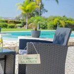 Lounge-Garnitur mit Zweisitzer, Tisch und 2 Stühlen inkl. Kissen ab 149€ (statt 249€)