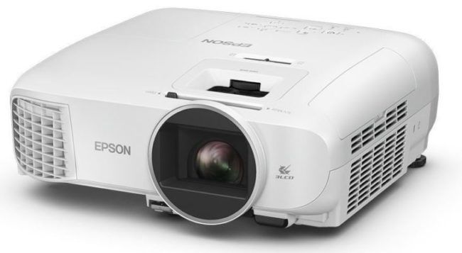 EPSON EH TW5600   3D FullHD Beamer für 666€ (statt 754€)
