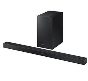 Samsung HW K450/EN Bluetooth Soundbar mit Subwoofer für 144,90€ (statt 162€)