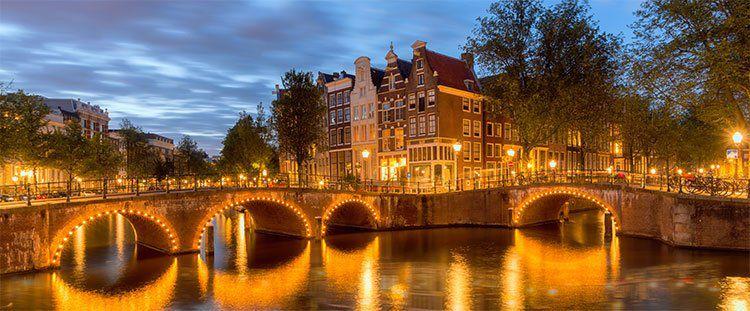 ÜN in Amsterdam in neuem Hotel inkl. Frühstück & mehr ab 34€ p.P.