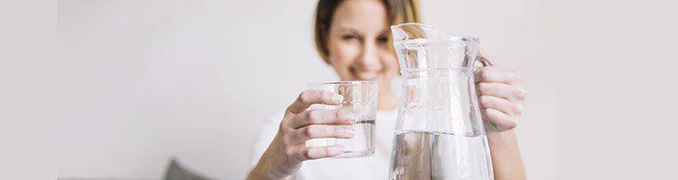 Wassersprudler vs. Mineralwasser kaufen   was lohnt sich mehr?
