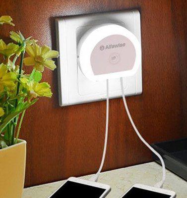 Dreierpack: Alfawise HTV 777   Dual USB Ladeport mit LED für 4,41€