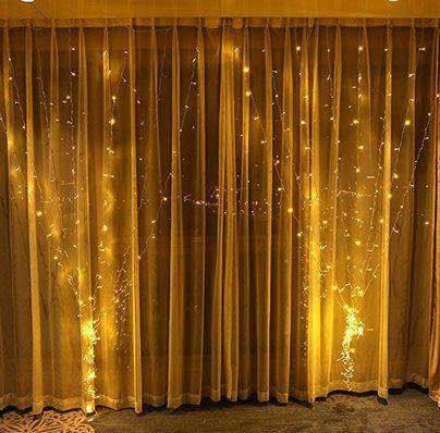3x3m Lichtervorhang mit 8 Lichtmodi & 300 LEDs für 13,29€ (statt 19€)