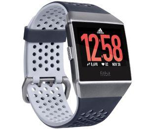 FITBIT Ionic Adidas Edition Sport  Smartwatch + Adida Fußball für 229€ (statt 285€)