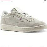 Reebok Flash-Sale mit bis 50% Rabatt + 20% EXTRA-Rabatt – z.B. Reebok Classics Leather Sneaker für 69,96€ (statt 89€)