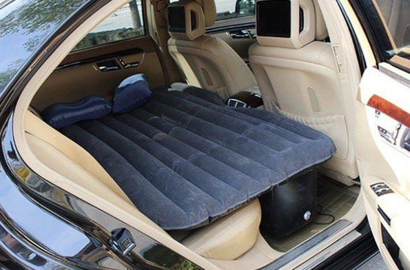 Aufblasbare Auto Matratze inkl. Luftpumpe und Reparaturset für 29,49€ (statt 35€)