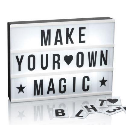 EASYmaxx LED Leuchtkasten in Schwarz/Weiß mit 173 Buchstaben für 12,99€