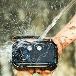 DOSS Traveler wasserdichter Bluetooth-Lautsprecher in grün oder schwarz für 29,99€ (statt 60€)