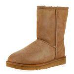 UGG Low Classic Damen Boots mit Lammfell für 109,59€ (statt 129€)