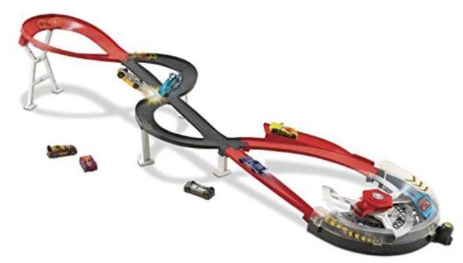 Hot Wheels Spiral Speedway Trackset ab 19,99€ (statt 38€)